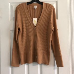 New day V Neck sweater; XXL fits like a large